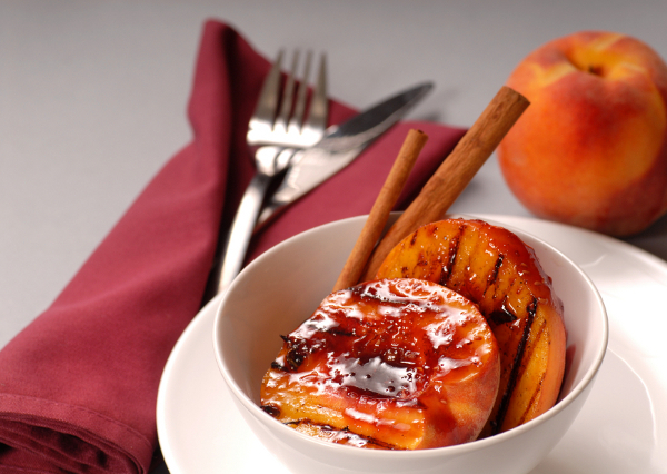 grilled peaches with raspberry puree