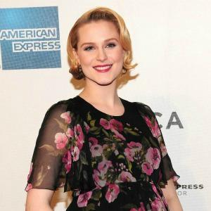 Evan Rachel Wood gives birth to