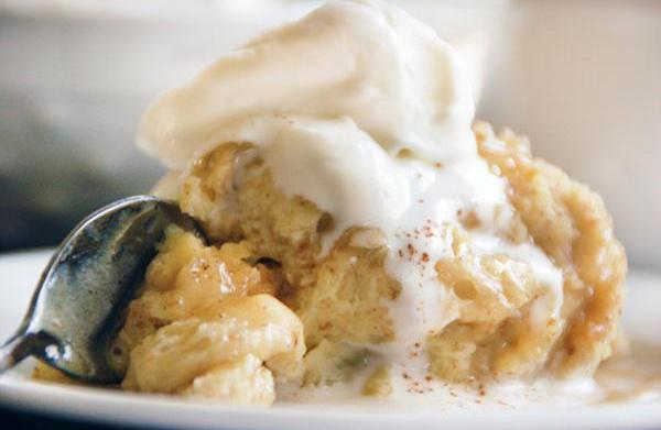 Bread pudding with white chocolate stout