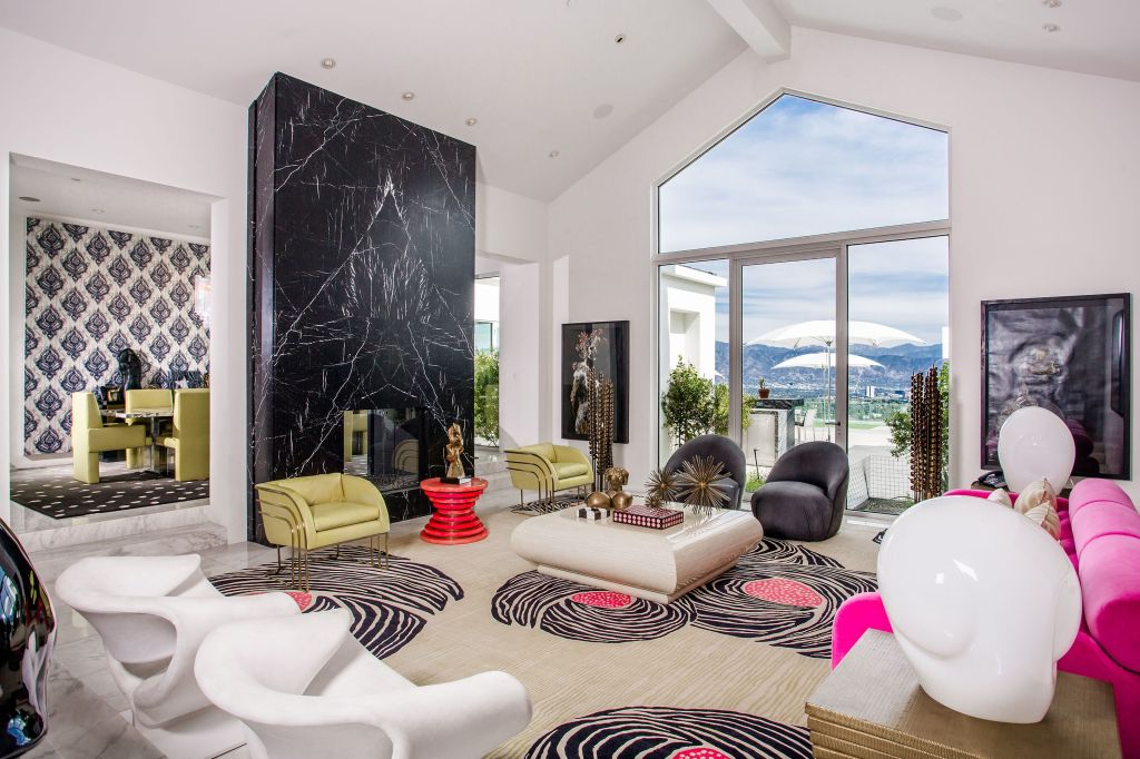gwen stefani home A Peek Inside the Most Over the Top Celebrity Homes
