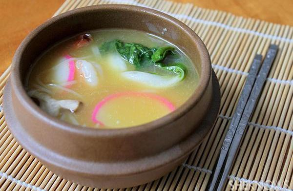 Shrimp in spicy lemongrass soup