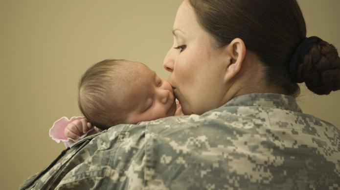 7 Moving photos of military moms
