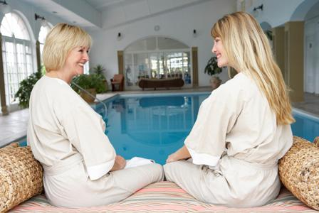 Mother-daughter beauty treatments
