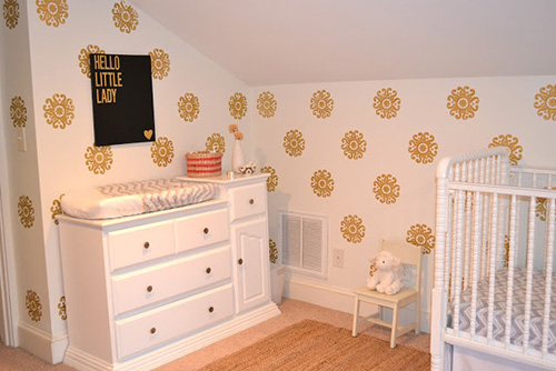 Royal nursery crib