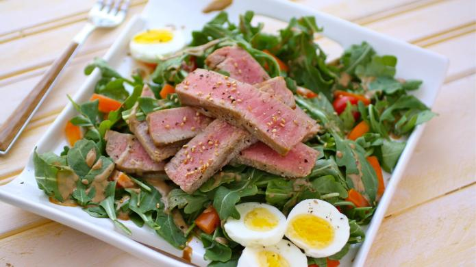 Gluten-free grilled tuna salad with creamy