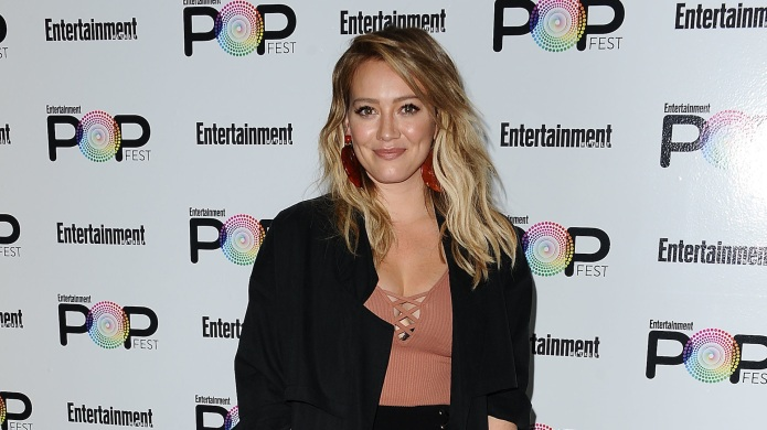 Hilary Duff kissed her son on