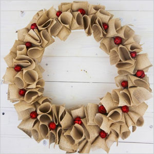 Holiday burlap wreath | Sheknows.ca
