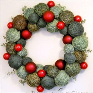 Holiday yarn wreath | Sheknows.ca