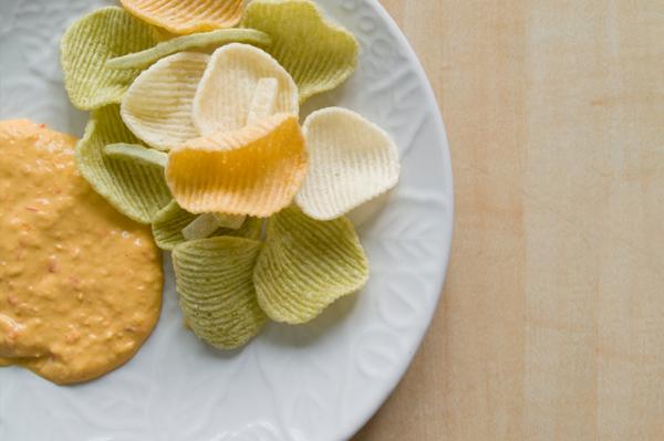 Hummus and soy crisps
