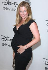 Jessica Capshaw gives birth to a