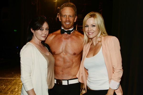 Shannen Doherty and Jennie Garth with Ian Ziering at Chippendales