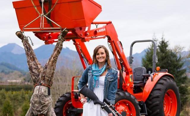 Woman 'hunts' her fiancé in viral