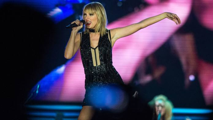 Taylor Swift Performs Two New Songs