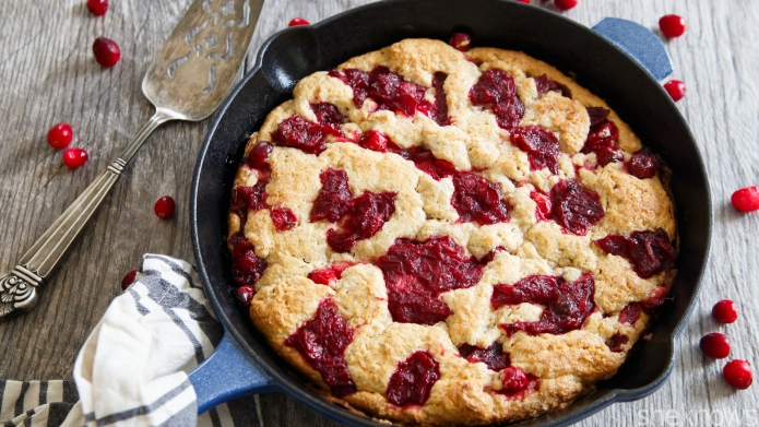 Spiced cranberry buckle — the hybrid