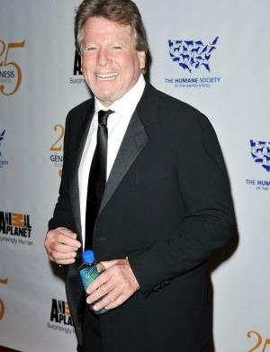 Ryan O'Neal has cancer for the
