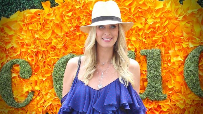 Nicky Hilton pulled out a pile