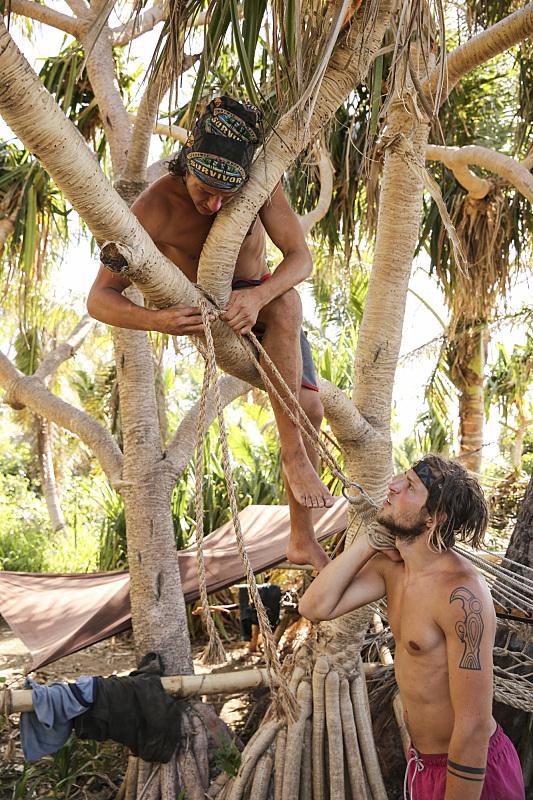 Jay Starrett and Taylor Stocker on Survivor: Millennials Vs. Gen-X