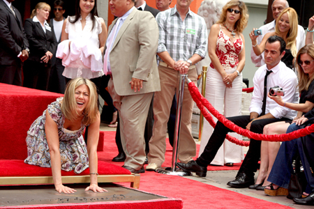 Jennifer Aniston and Justin Theroux at handprint ceremony