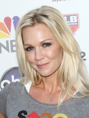 Jennie Garth at the Stand Up to Cancer Benefit