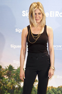 Jennifer Aniston Shows Off New Short Bob In Madrid Sheknows