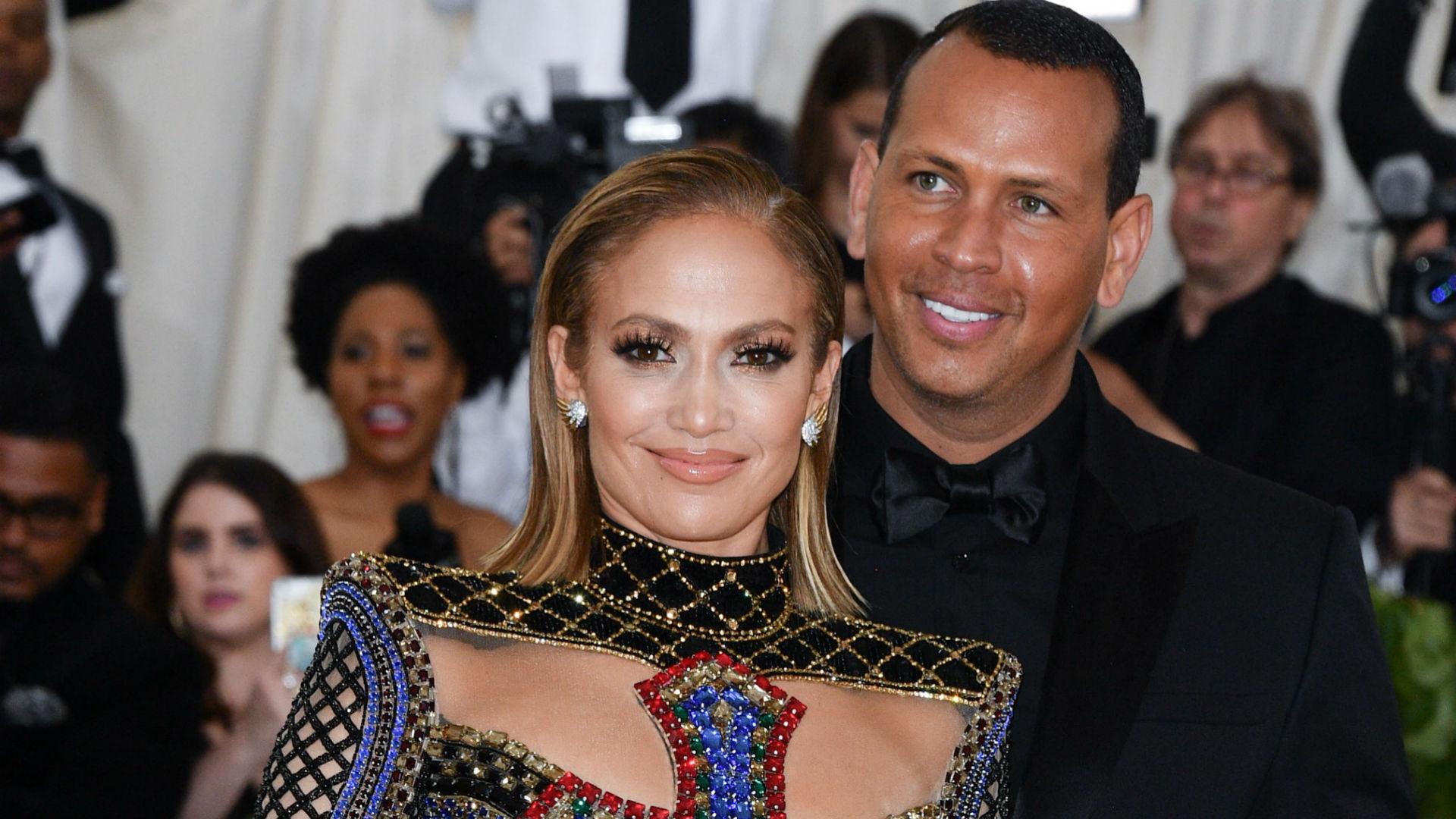 f6a9c2d5e4 How Jennifer Lopez   Alex Rodriguez Spent Christmas This Year – SheKnows