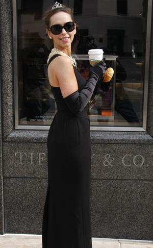 Jennifer Love Hewitt does Audrey Hepburn...again