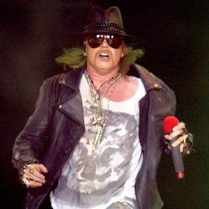 Axl Rose mocks Red Hot Chili