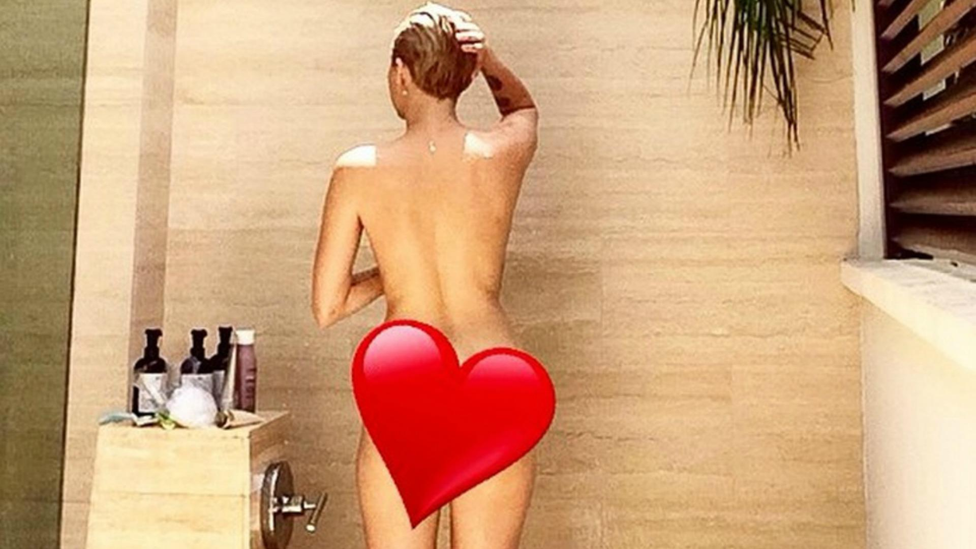 Miley cyrus naked ass