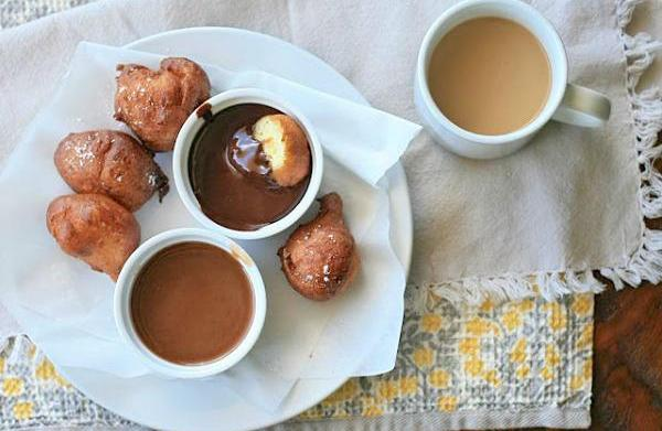 Gluten-free ricotta doughnuts with chocolate and
