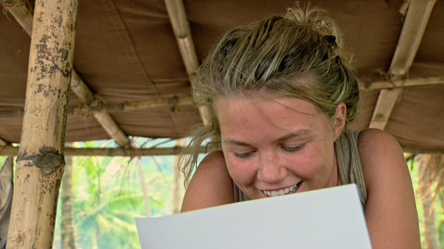 Julia Sokolowski reads letter for home on Survivor: Kaoh Rong