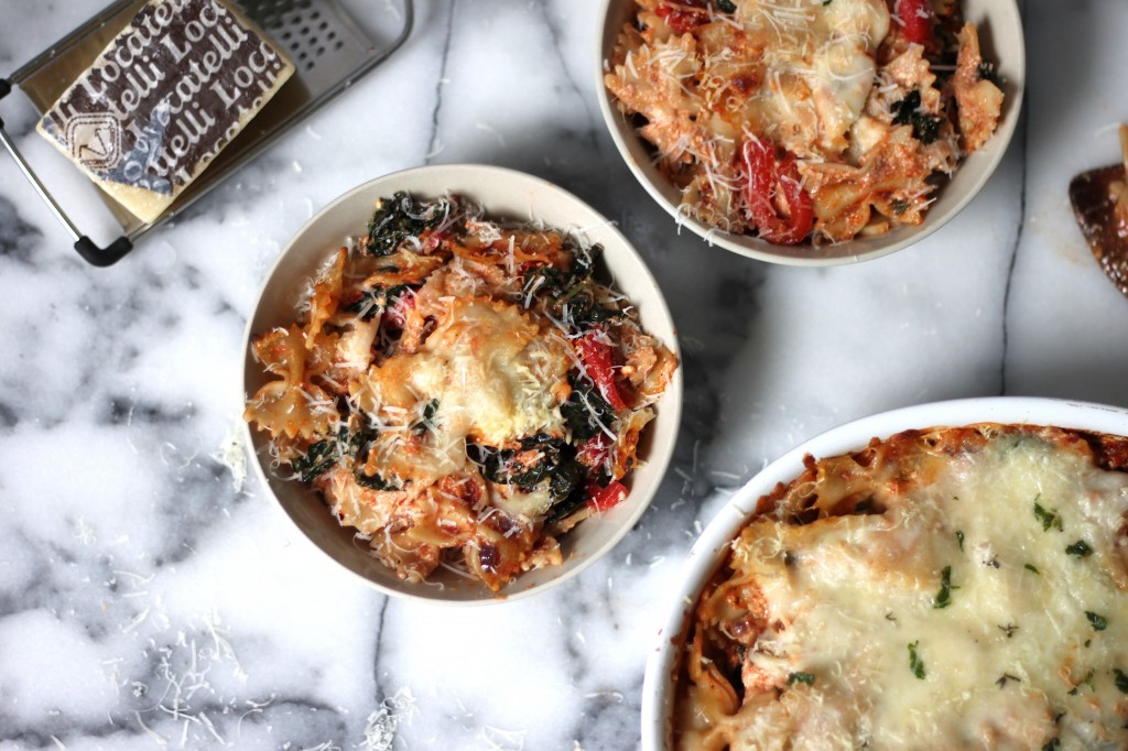 kale and red pepper pasta bake