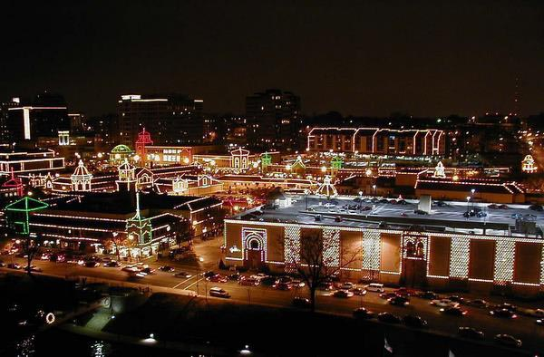 The Plaza Lights at Kansas City Country Club - Kansas City's Country Club Plaza Christmas Lighting Ceremony €� SheKnows