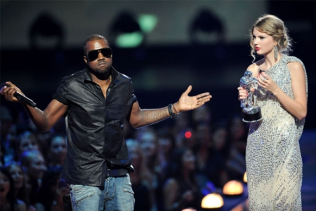Kanye West and Taylor Swift at the 2009 VMAs