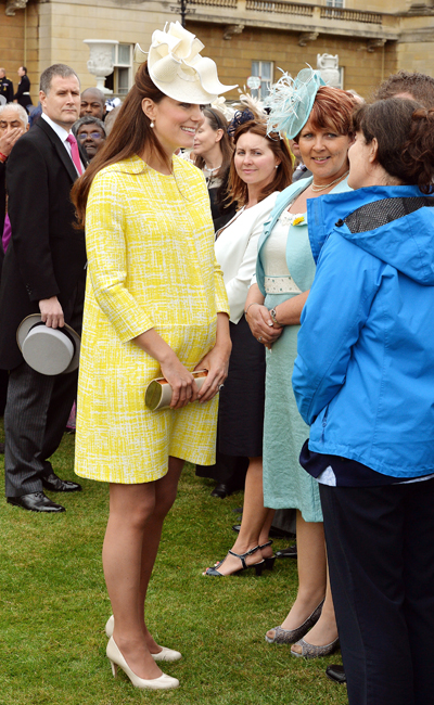 Pregnant Kate Middleton yellow dress