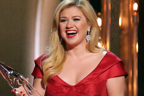 Kelly Clarkson is having a girl! What should she name her