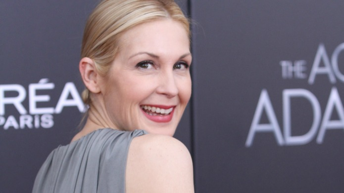 Kelly Rutherford has a bone to