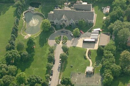 R. Kelly losing his Chicago mansion