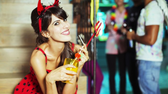 8 Halloween costumes for singles to