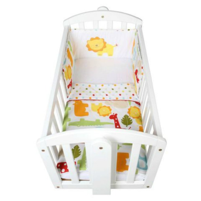 Charity warns about dangers of cot bumpers