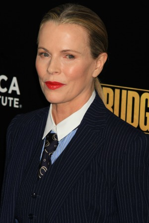 Kim Basinger hates selfies and has concerns for the younger generation