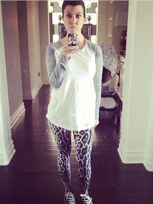 Kourtney Kardashian leopard leggings