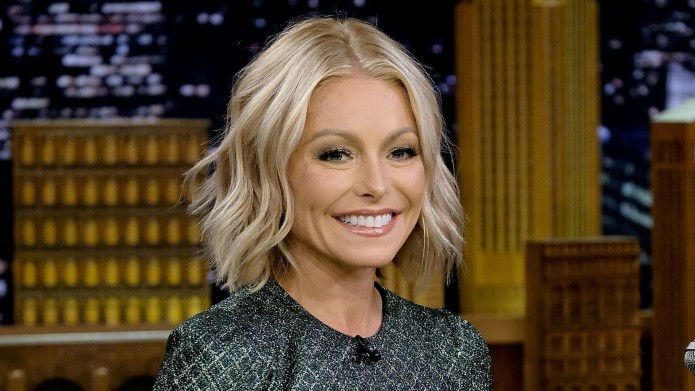 Kelly Ripa Outs Regis Philbin's 'No-Talking'