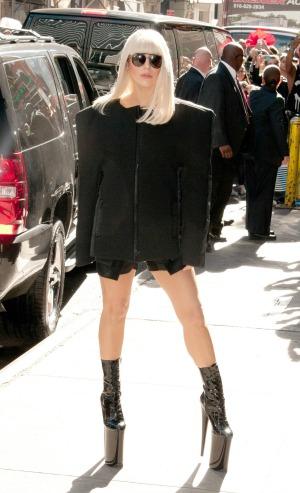 Lady Gaga gets new ink in Brazil
