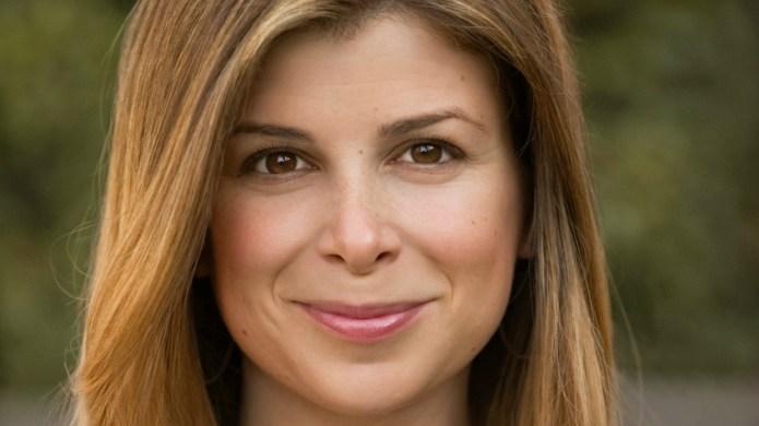 Laura Dave writes edgy, witty women