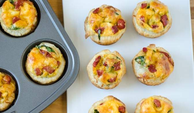 Cheesy spinach mini quiches are here to rescue your brunch