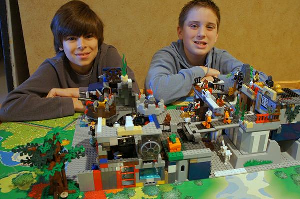 Legos futuristic medieval castle | Sheknows.com