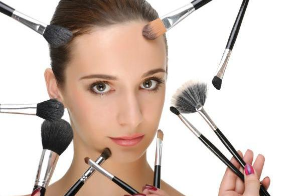 The makeup brushes you need to