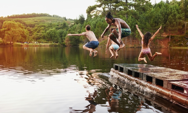Leaping free spirits