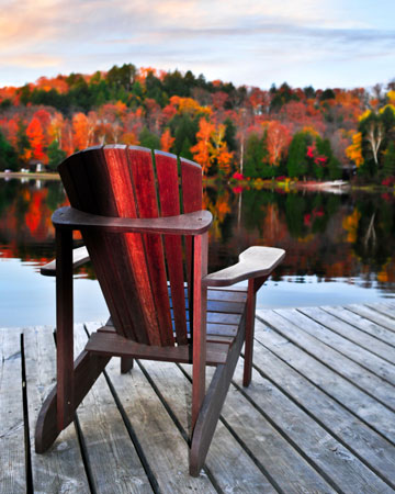 Lounge chair looking of relaxing autumn scene | Sheknows.ca
