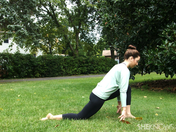 Modified runner's lunge